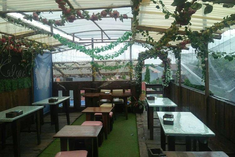 Tempat hangout di Bekasi D'keleus Waroeng Hangout
